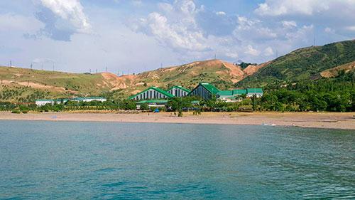 новый пляж на Чарваке